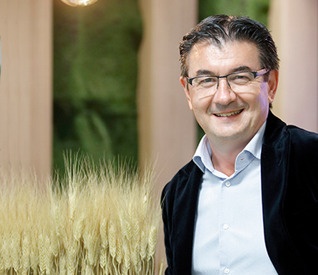 Luis-Uribe-alt